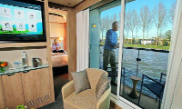 Viking Skirnir Suite Stateroom
