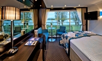 Avalon Vista Suite Stateroom